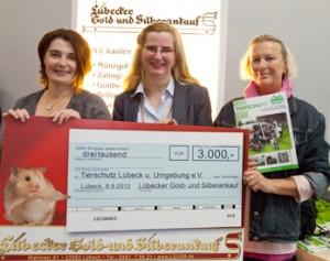 30 Jahre Lübecker Gold- und Silberankauf_Spende an Tierheim-2012-09-08 small